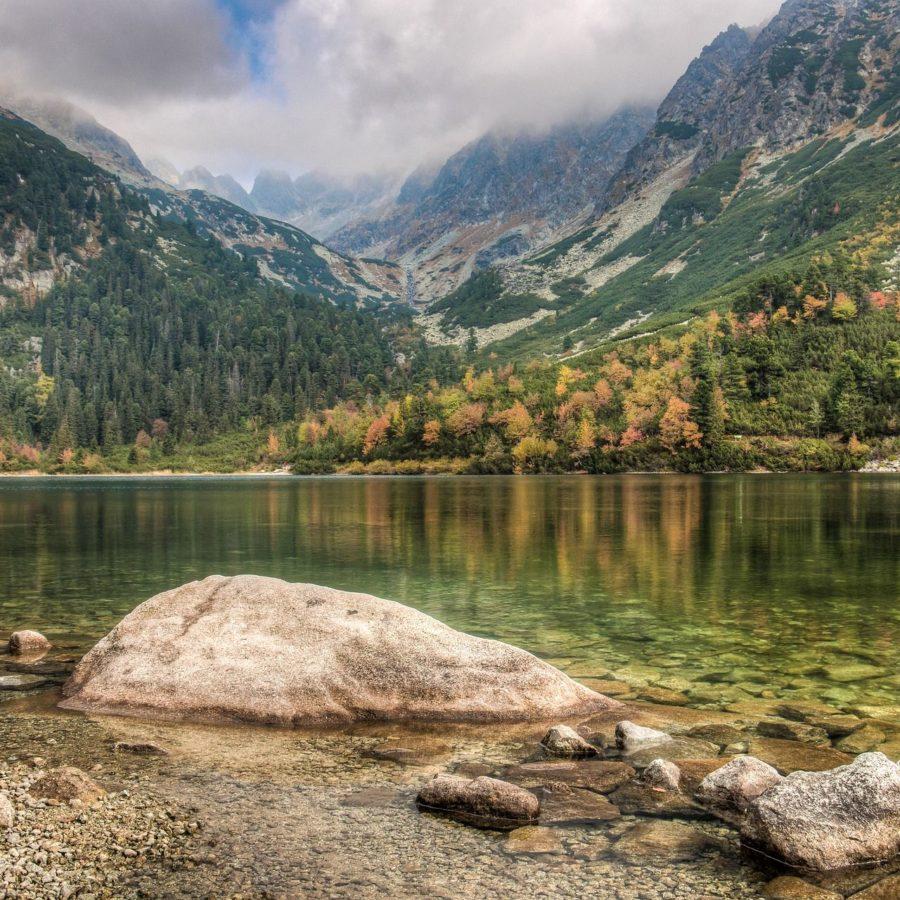 Bergsee in der Hohen Tatra, Slowakei Reisen