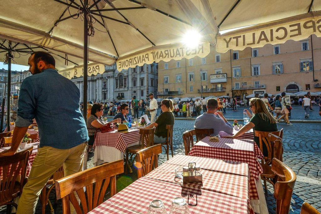 Cafe am Piazza Navona - 24 Stunden Rom