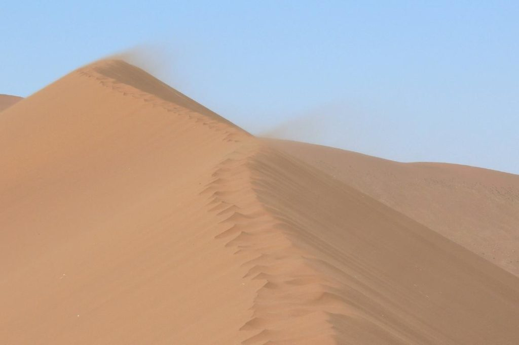Sandverwehung - Singende Sanddünen, Dunhuang China