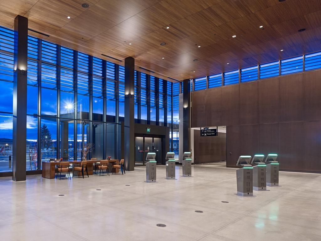 Paine Field Airport, Seattle, Eingangsbereich