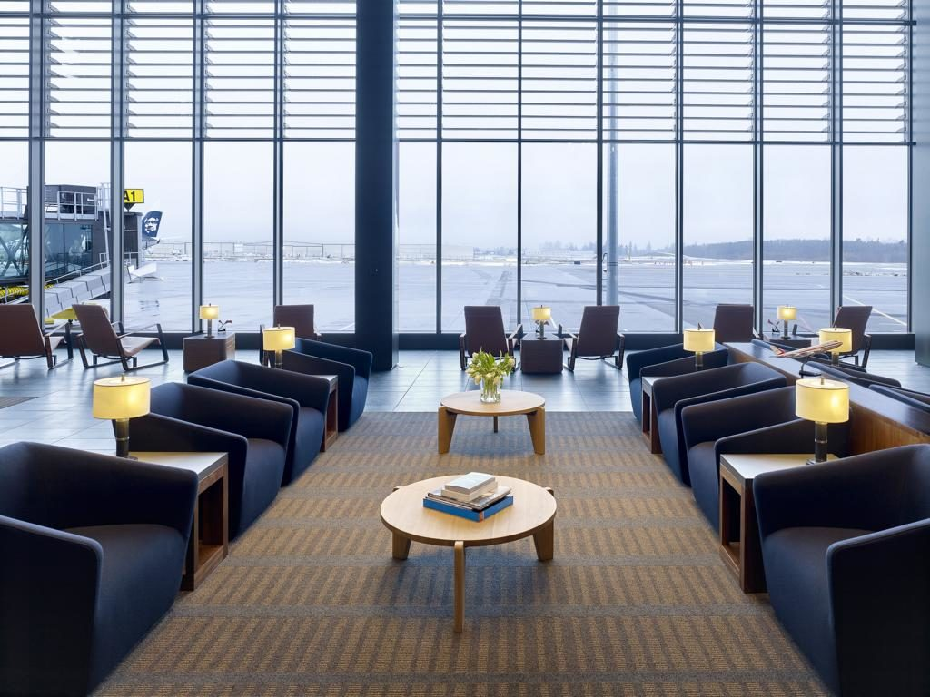 Paine Field Airport, Seattle, Lounge