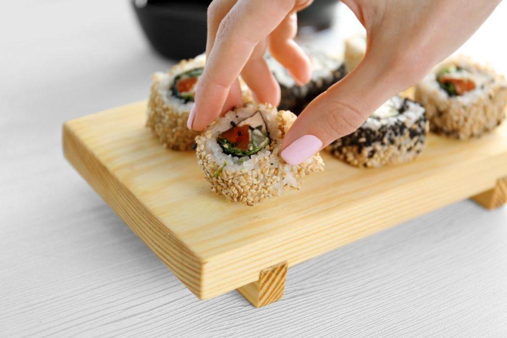 Erstaunliche Fakten über Sushi, Essen mit den Finger, Japan