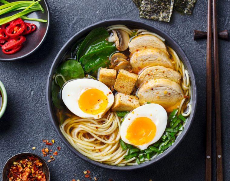Rezept für Ramen, japanische Suppe