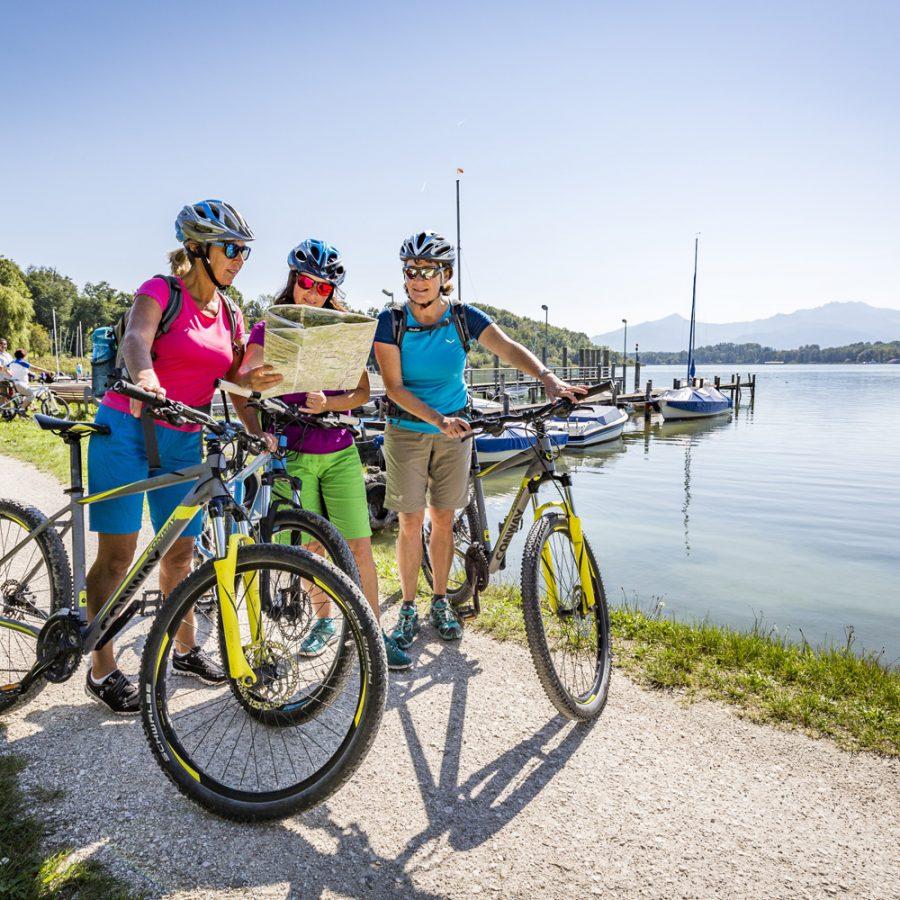 Radfahren am Chiemsee- Copyright © Chiemsee-Alpenland Tourismus